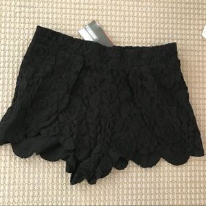 Urban outfitters NWT black lace shorts size small